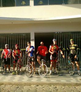 » A Loja Bike Leite foi o ponto de saída da equipe para o Pedal da Fé, no último sábado