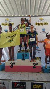 Mariana ficou com a prata após completar o percurso de 10 quilômetros, com tempo de 1h09