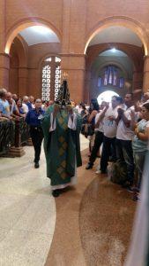 Missas e adoração tiveram lugar na programação católica