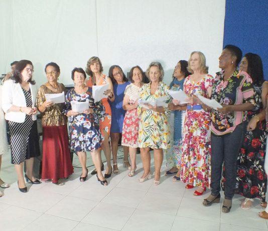 82da940396 Professores aposentados comemoram Bodas de Prata